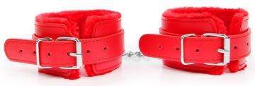 Красные мягкие оковы на регулируемых ремешках
