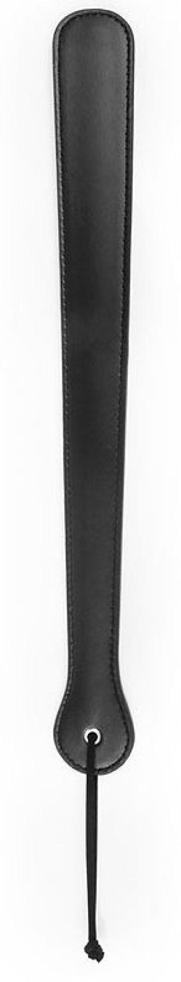 Черная гладкая классическая шлепалка с ручкой - 48 см.
