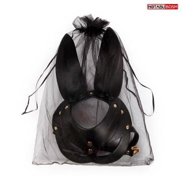 Черная маска с удлиненными ушками и заклепками