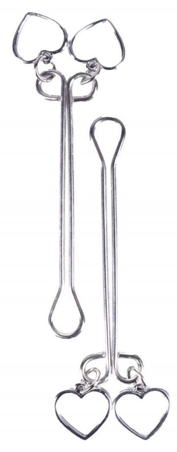 Серебристые зажимы на половые губы с сердечками