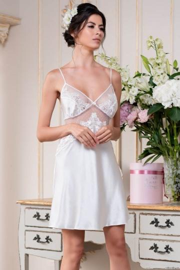 Стильная сорочка Eva с кружевным декором